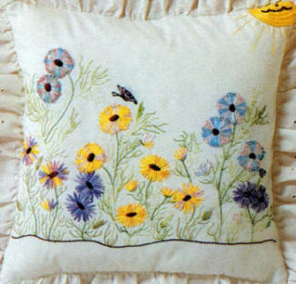 Brazilian Embroidery Design  Coming Up Daisies
